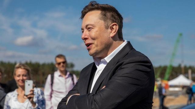 Elon Musk: Gã tỷ phú điên thích đốt tiền vào những điều viễn tưởng - 5
