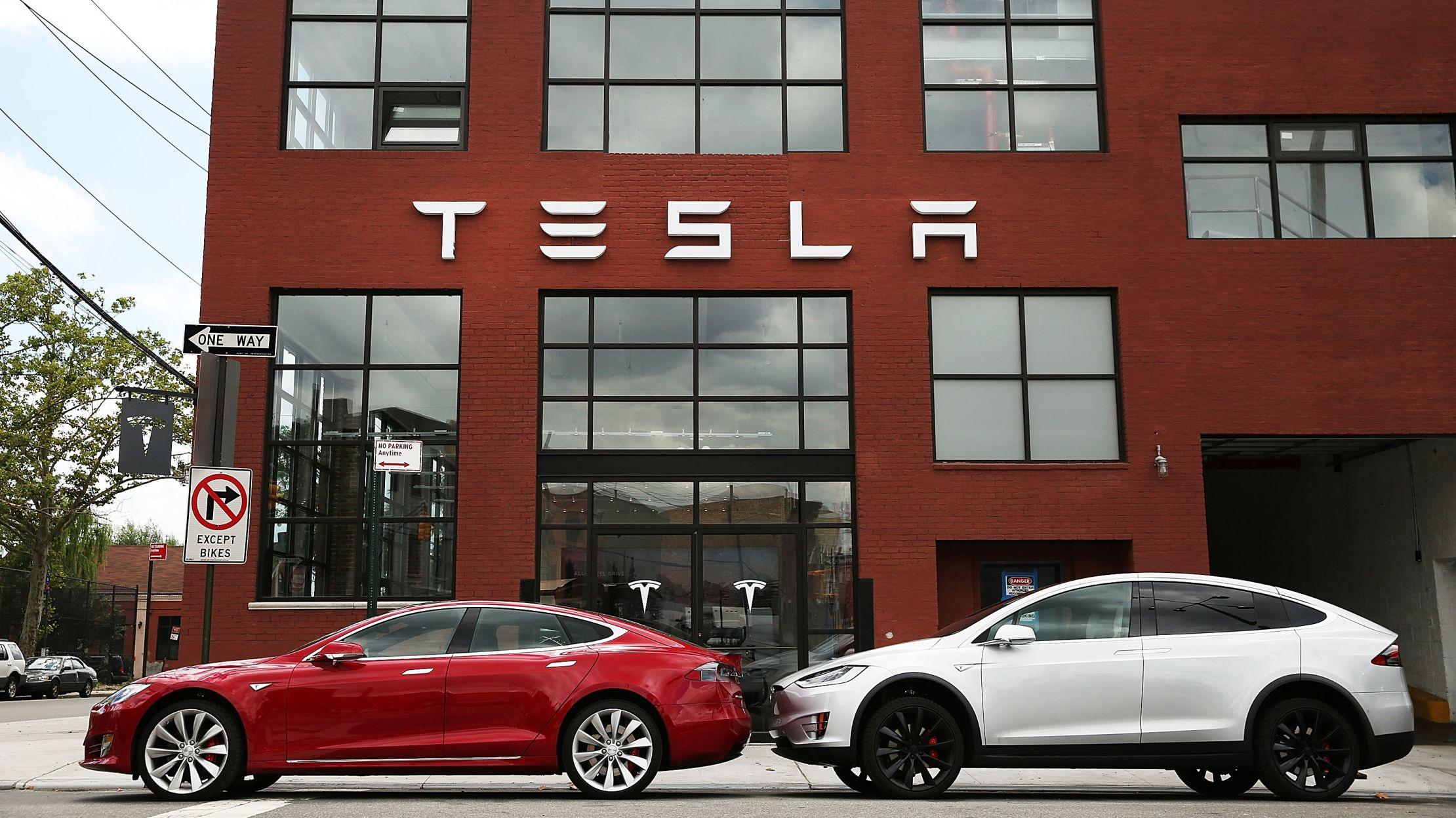 Elon Musk: Gã tỷ phú điên thích đốt tiền vào những điều viễn tưởng - 9