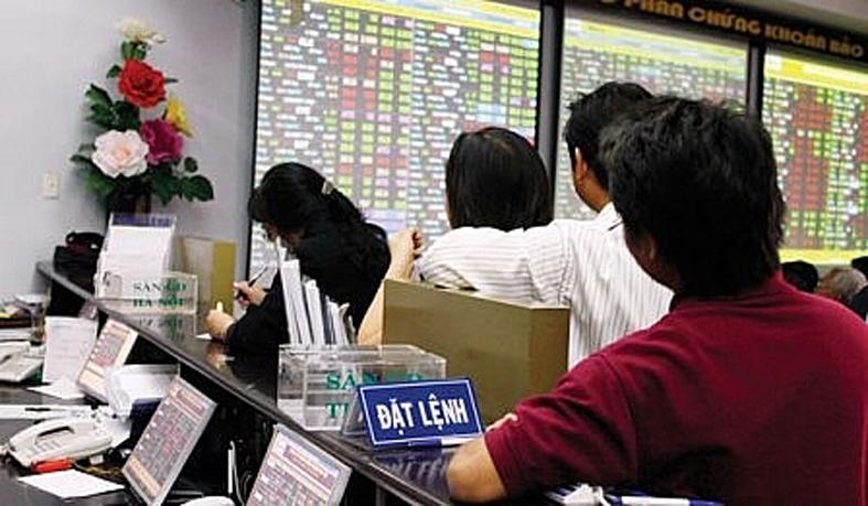 NĐT dường như đang sẵn sàng đặt lệnh mua cổ phiếu theo thông tin nhất thời.