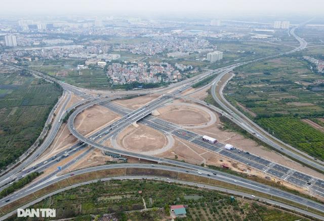 Thông xe nút giao 400 tỷ đồng nối cao tốc Hà Nội - Hải Phòng với Vành đai 3 - 4