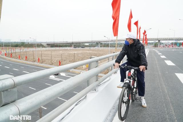 Thông xe nút giao 400 tỷ đồng nối cao tốc Hà Nội - Hải Phòng với Vành đai 3 - 11