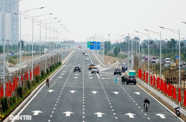 Thông xe nút giao 400 tỷ đồng nối cao tốc Hà Nội - Hải Phòng với Vành đai 3 - 8