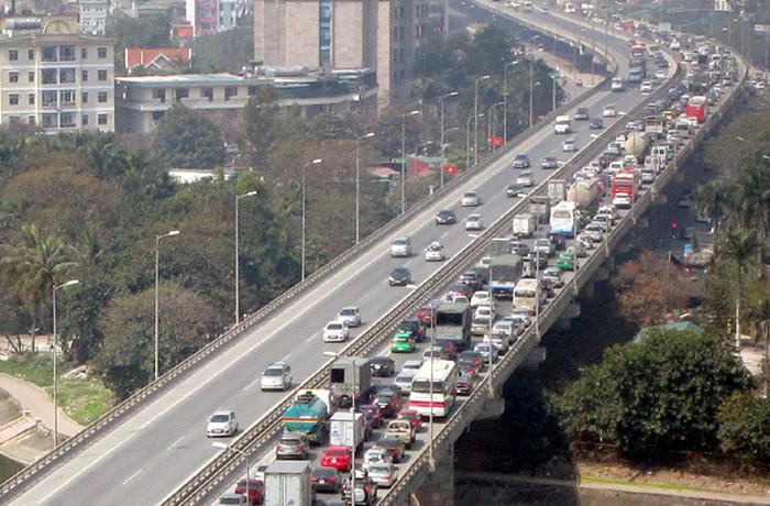 Xe khách không được chạy trên đường Vành đai 3 dưới thấp để hạn chế ùn tắc