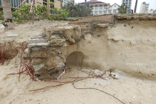 Bờ biển Đà Nẵng sạt lở kinh hoàng, đe dọa nhiều khu nghỉ dưỡng - 6