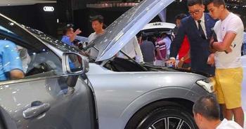 """Doanh số thị trường ô tô Việt """"bốc hơi"""" hơn 25.600 chiếc"""