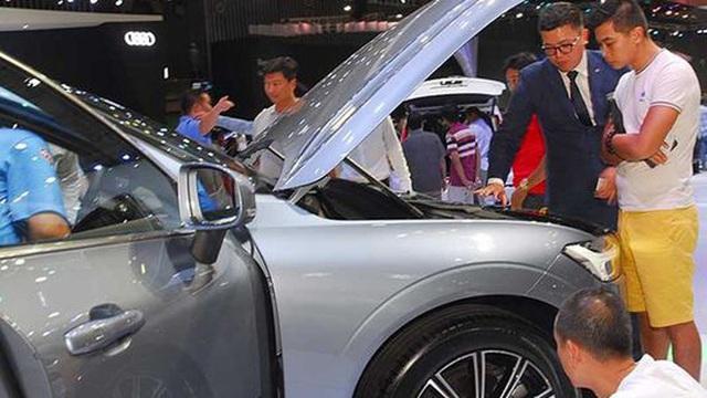 Doanh số thị trường ô tô Việt bốc hơi hơn 25.600 chiếc - 1