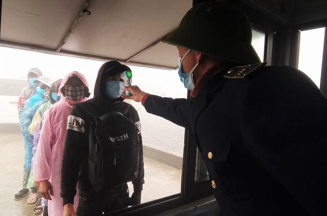 Hà Tĩnh: Hàng ngàn lao động về nước sớm để cách ly đón Tết