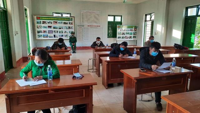 Phát hiện 6 người băng rừng nhập cảnh trái phép vào Việt Nam - 2