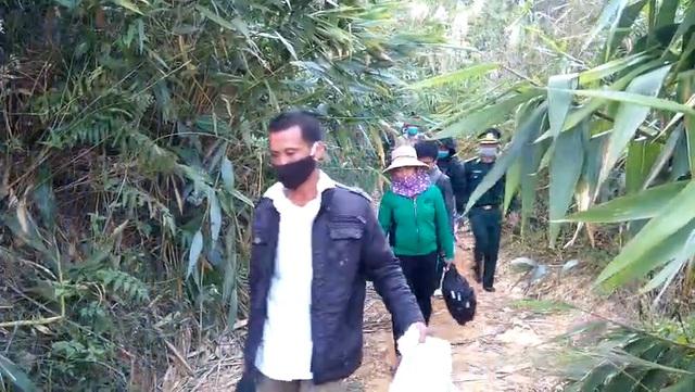 Phát hiện 6 người băng rừng nhập cảnh trái phép vào Việt Nam - 1