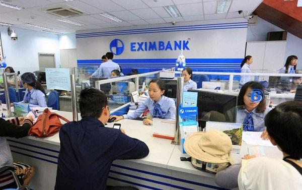 12% được cho là chỉ tiêu tăng trưởng tín dụng thận trọng và có phần hơi thấp ở 2021. (ảnh: Giao dịch ngân hàng tại Eximbank)