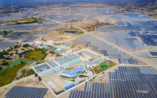 """Trung Nam kiến nghị: """"Thủ tướng Chính phủ, Bộ Công thương quan tâm xem xét, có ý kiến chỉ đạo EVN, Trung tâm Điều độ Hệ thống điện quốc gia (A0) ưu tiên phát lên lưới hết phần công suất của Nhà máy điện mặt trời Trung Nam Thuận Nam"""
