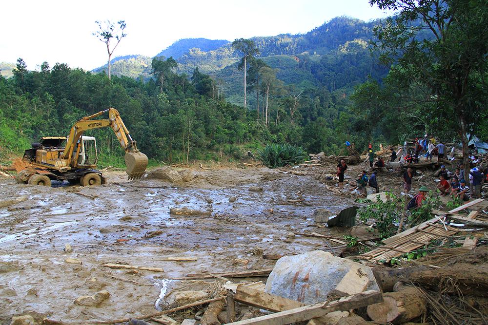 Tìm nguyên nhân và giải pháp giảm thiểu thiệt hại do lũ quét, sạt lở đất ở miền Trung