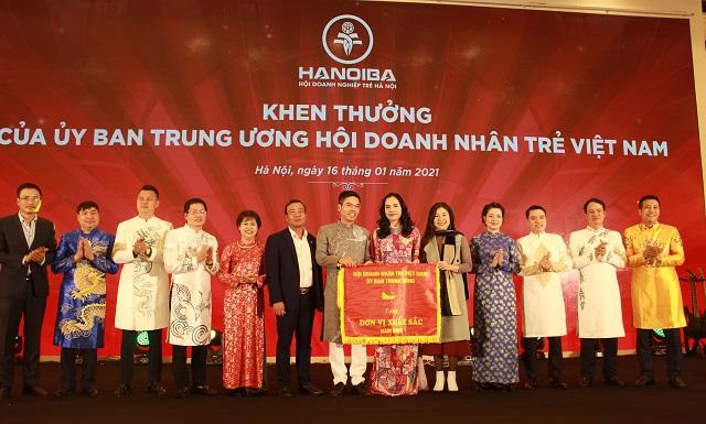 Hội Doanh nghiệp trẻ Hà Nội nhận khen thưởng của Ủy ban Trung ương Hội Doanh nhân trẻ Việt Nam