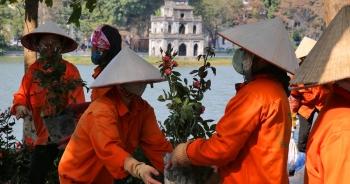 Hồ Gươm trang trí hoa rực rỡ sắc màu chào mừng Đại hội XIII của Đảng