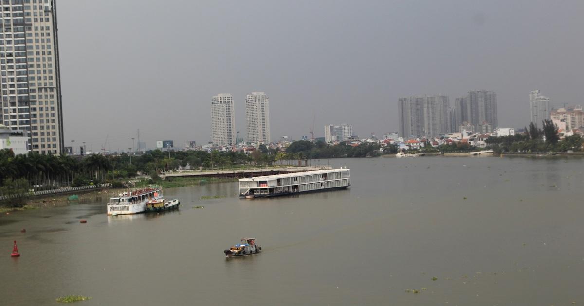 Lo ngại ô nhiễm, TP HCM tính di dời điểm khai thác nước thô sông Sài Gòn