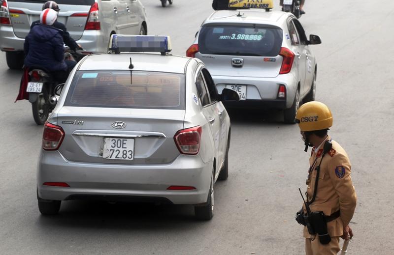 Báo động tình trạng tài xế ô tô che biển số trốn phạt nguội: Xử lý không nghiêm sẽ tạo tiền lệ xấu