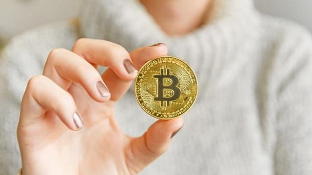 Giá bitcoin liên tục rớt mạnh, rời ngưỡng 30.000 USD - 1
