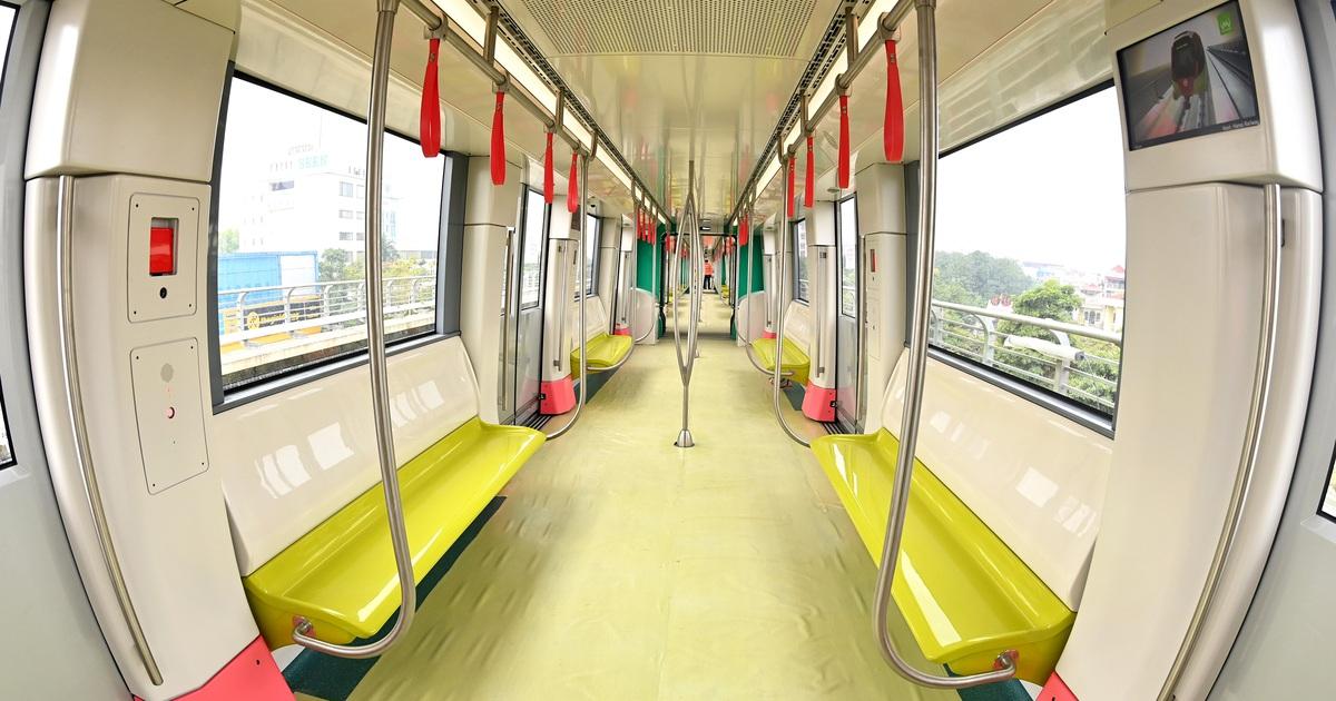 Cận cảnh bên trong đoàn tàu đầu tiên tuyến đường sắt Metro Nhổn - ga Hà Nội