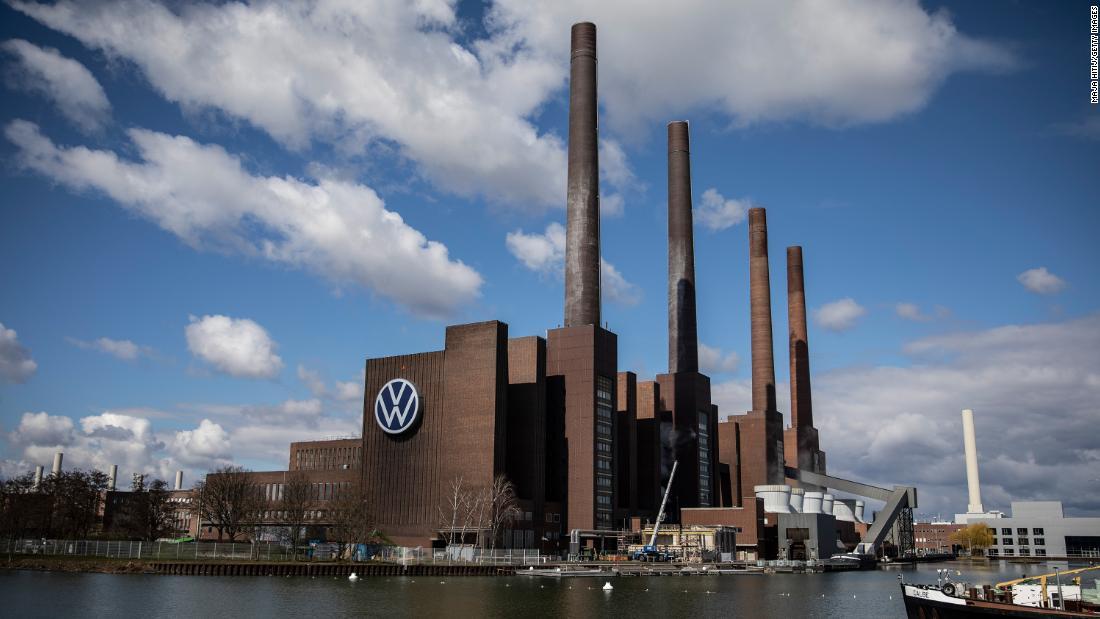 Volkswagen nhà sản xuất ô tô lớn nhất thế giới.