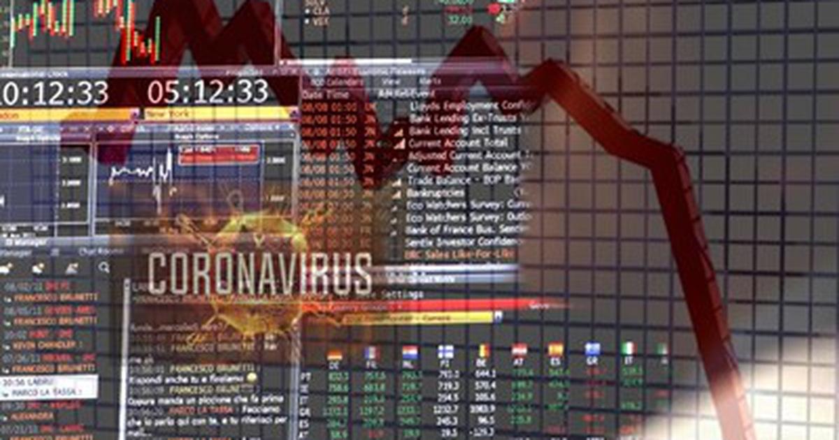 """Chứng khoán """"sụp hố"""" trước tin Covid, tài sản nhà đầu tư bị """"cuốn trôi"""""""