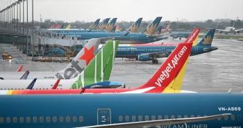 """Khách ồ ạt hủy chuyến bay vì Covid-19, hàng không """"hỏa tốc"""" đổi/hoàn vé"""