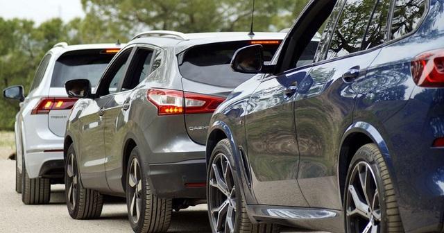 Lượng xe nhập giảm sốc 6.600 chiếc trong tháng đầu năm  - 1