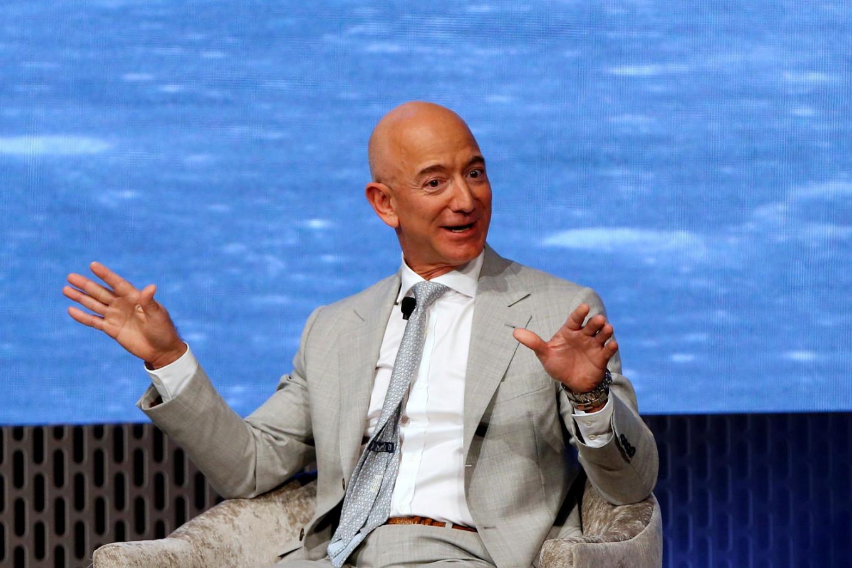 vẫn còn giữ 53 triệu cổ phiếu, tương đương 11% của Amazon