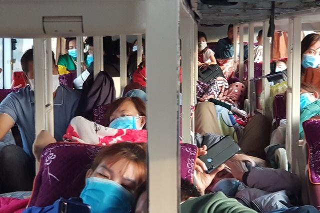 Quảng Trị:  Xe khách 46 chỗ, nhồi đến 63 người - 1