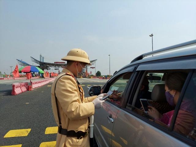 Quảng Ninh khôi phục hoạt động vận tải hành khách, kích hoạt camera giám sát