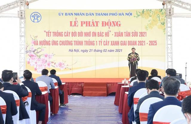 Ông Chu Ngọc Anh khuyến khích hộ gia đình trồng cây để Hà Nội 4 mùa hoa nở - 1