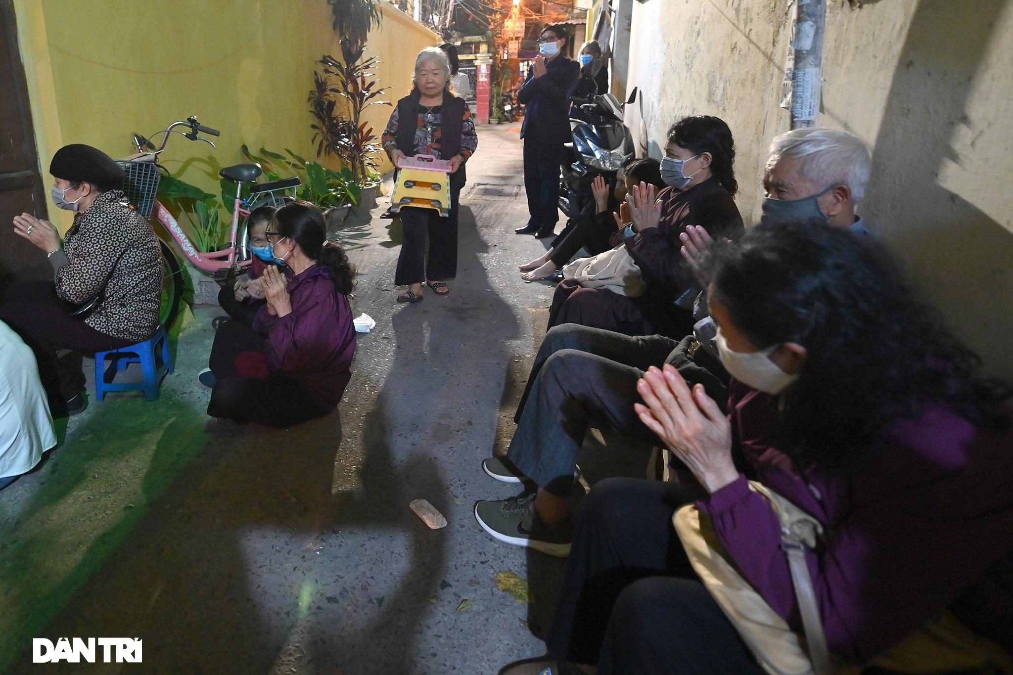 Lễ cầu an online chùa Phúc Khánh: Một mình giữa đường cúng dường chư Phật - 8