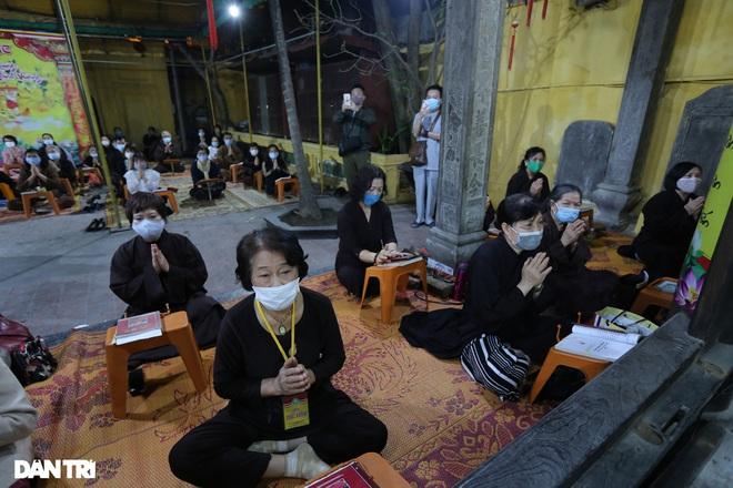 Lễ cầu an online chùa Phúc Khánh: Một mình giữa đường cúng dường chư Phật - 15