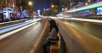 Lễ cầu an online chùa Phúc Khánh: Một mình giữa đường cúng dường chư Phật