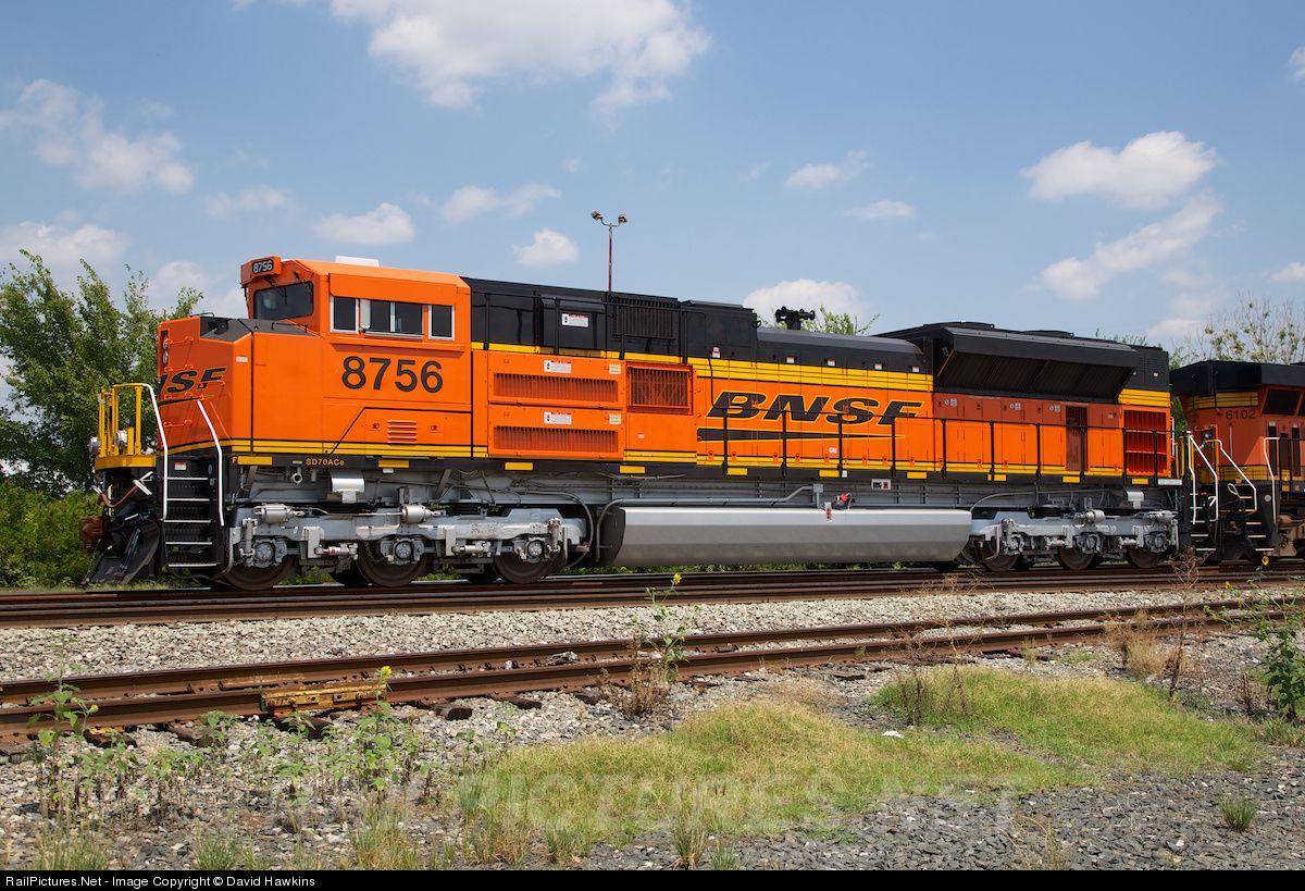 Thương vụ thôn tính của Đường sắt Burlington Northern Santa Fe Railway được cho là một trong những thành công của Warren Buffett.