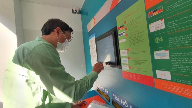 Lần đầu tiên có ATM tiếp nhận và trả hồ sơ - 3