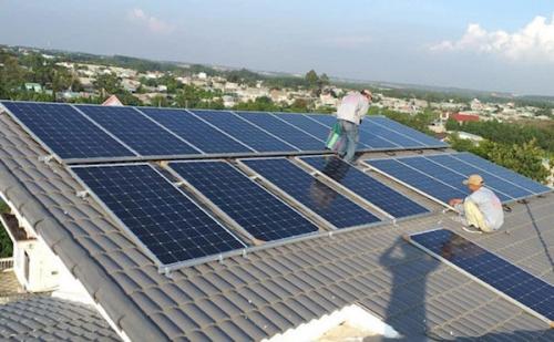 Dự kiến giảm giá 30%, điện mặt trời áp mái còn thu hút nhà đầu tư?