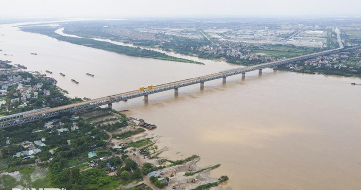 """Bí thư Hà Nội: Không """"chồng chất"""" cao ốc lên hai bên sông Hồng"""