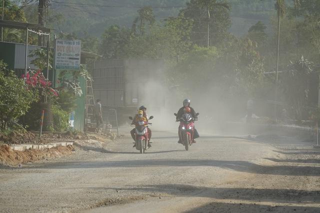 Nín thở qua tuyến quốc lộ 24B - 2
