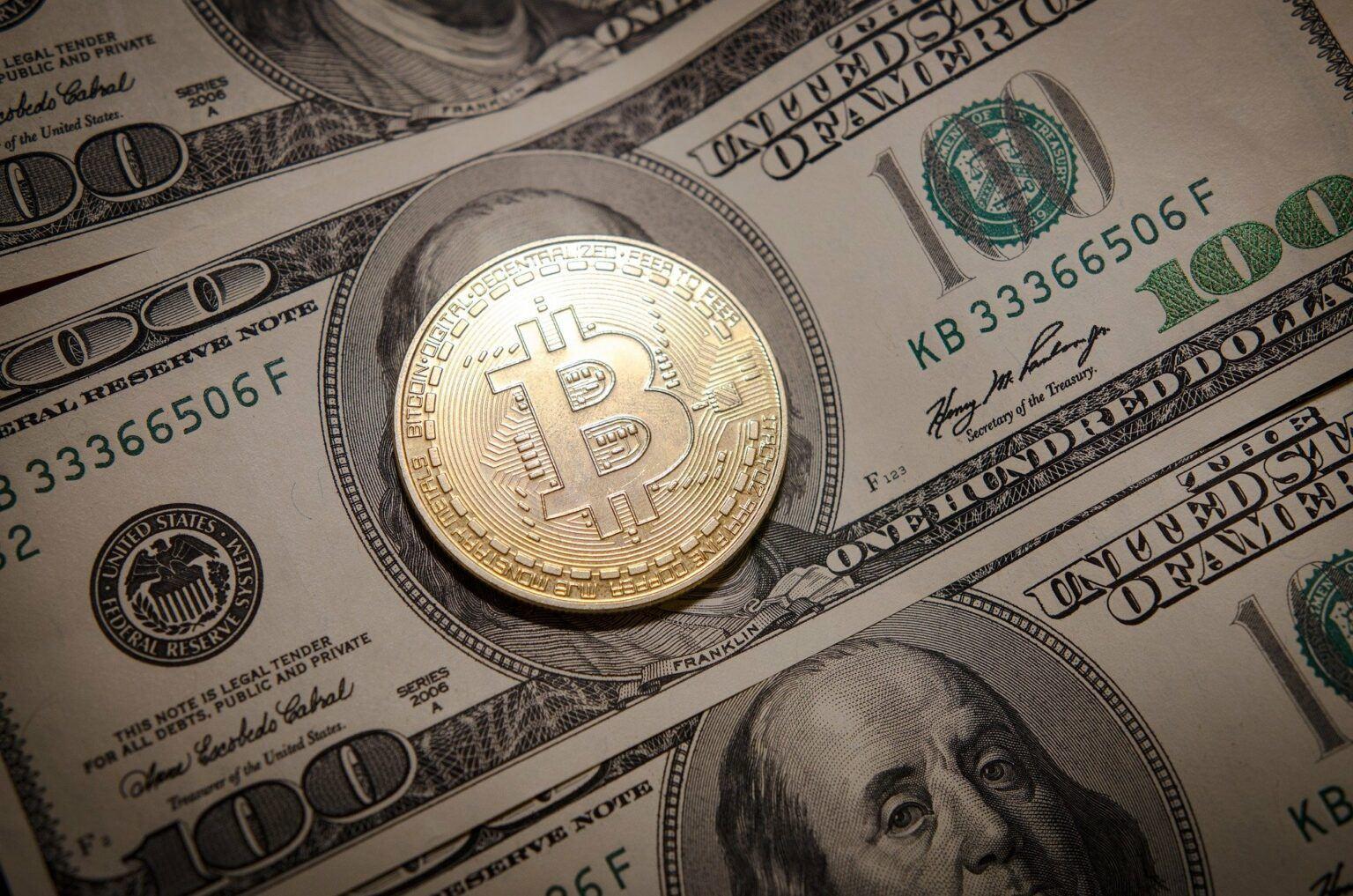 Giá bitcoin đã trượt 5% về mức dưới 56.000USD/BTC sau khi không phá vỡ được ngưỡng 60.000 USD/BTC vào ngày 21/3, khi một số dấu hiệu giảm giá xuất hiện