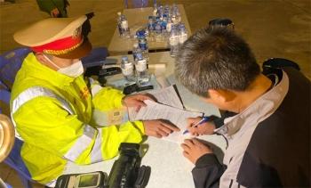 Liên tiếp phát hiện tài xế vi phạm nồng độ cồn, ma túy trên cao tốc