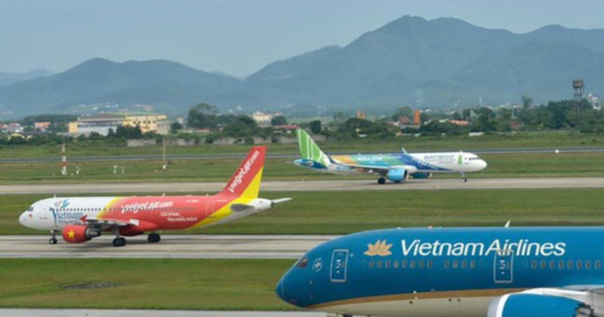 """""""Đóng băng"""" bay quốc tế, hàng không Việt Nam dự kiến lỗ hơn 15.000 tỉ đồng"""