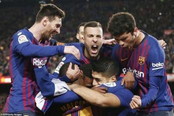 barcelona 2 0 atletico messi suarez bung sang phut cuoi
