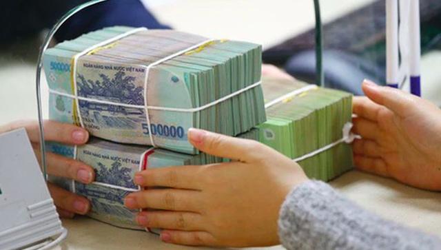 Sốt đất hầm hập: Ngân hàng đổ tiền vào bất động sản ra sao? - 3