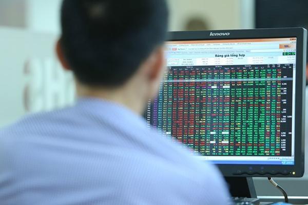 Sau 3 năm VN-Index đã vượt qua vùng đỉnh lịch sử 1.200 điểm