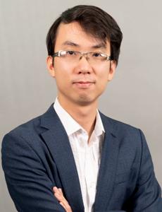 Ông Đinh Quang Hinh.