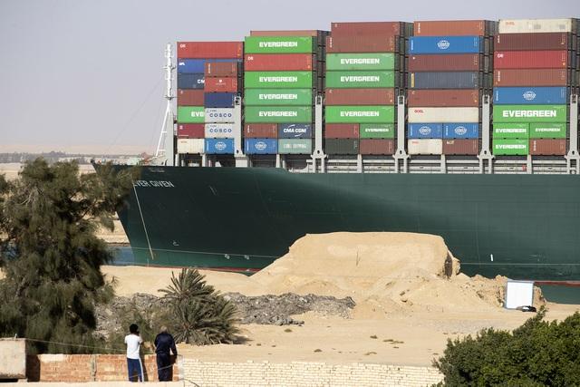 Công ty thuê tàu Ever Given phủ nhận trách nhiệm vụ tắc nghẽn ở Suez - 1