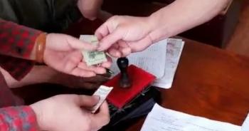 Vụ thu 100.000 đồng làm căn cước ở Hải Phòng: Tạm đình chỉ 2 công an viên