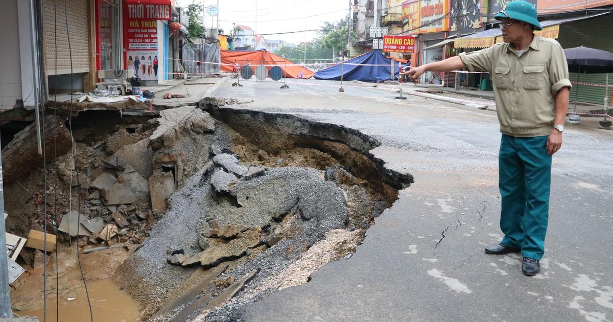 """Hố tử thần ở Hà Nội đã """"nở"""" tới hơn 100m2"""