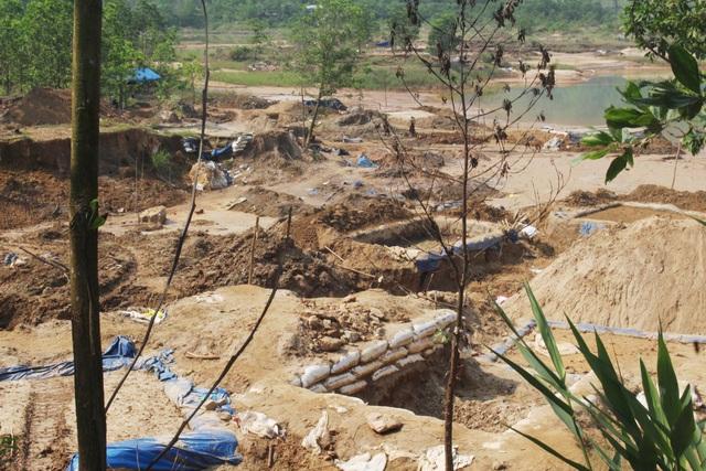 Vàng tặc ở Bồng Miêu: Tiền công ngày 200 nghìn, thấy công an là phải trốn - 1