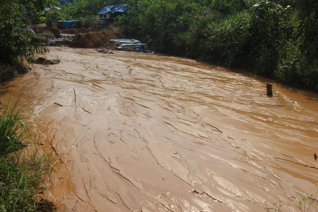 Vàng tặc ở Bồng Miêu: Tiền công ngày 200 nghìn, thấy công an là phải trốn - 7